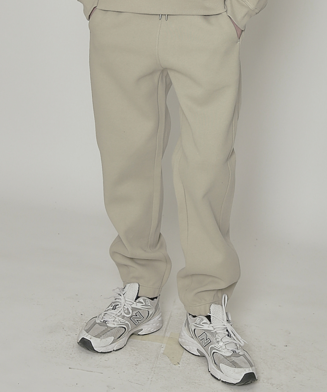 DWS ESSENTIAL JOGGER PANTS(OLIVE)