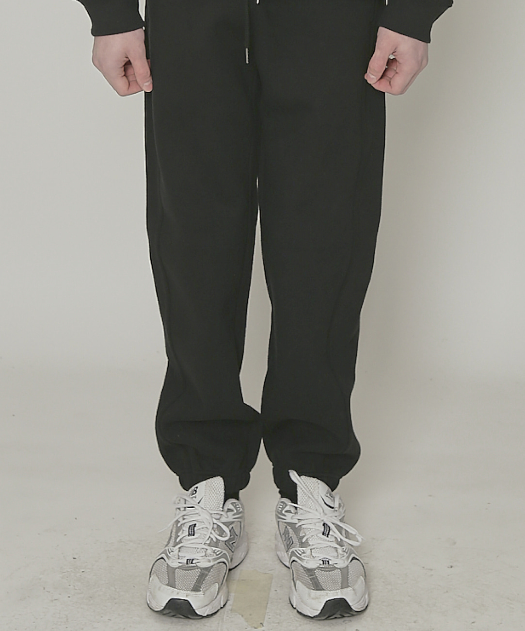 DWS ESSENTIAL JOGGER PANTS(BLACK)