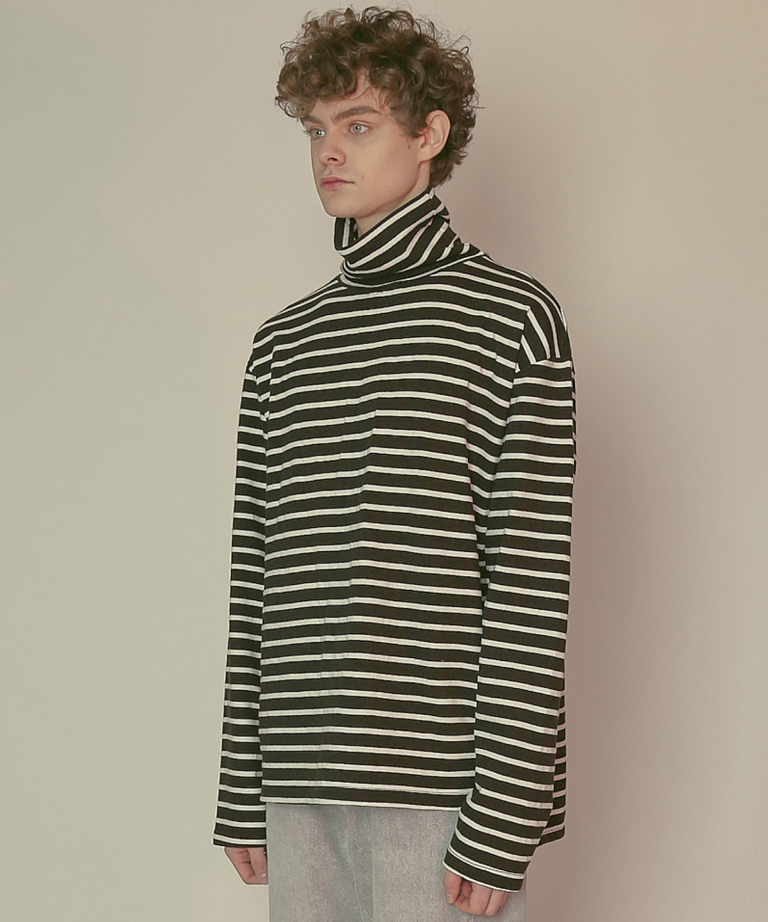 DWS STRIPE TURTLENECK(BLACK)